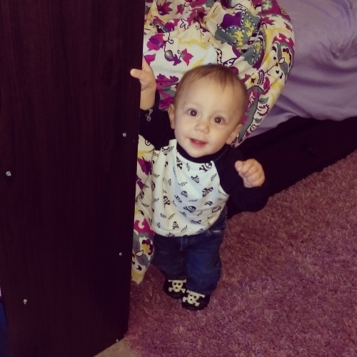 Standing up on his own now